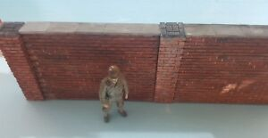 1 35 Diorama Accessories Walls And Type 2 Med Pillars Painted And Weathered Remise GéNéRale Sur La Vente 50-70%