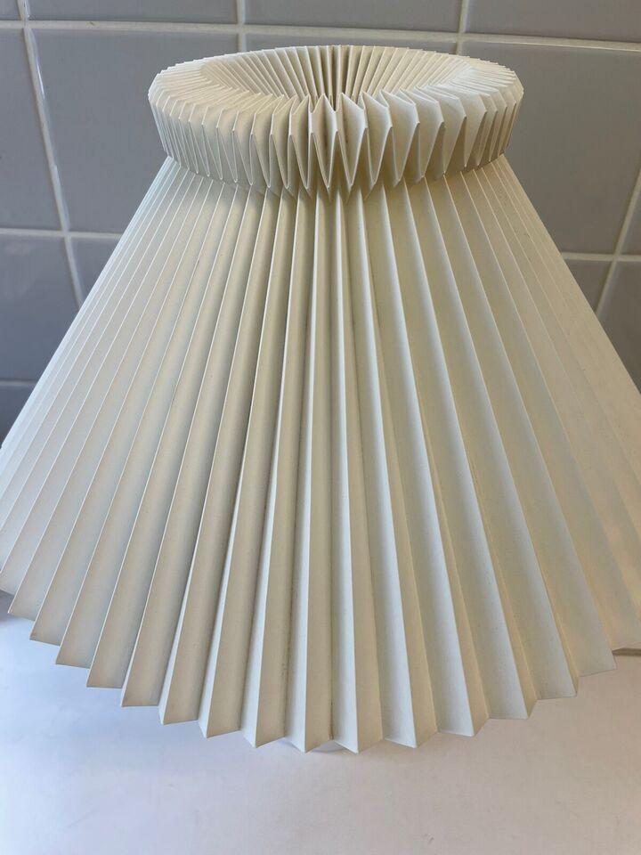 Le Klint, 311, bordlampe