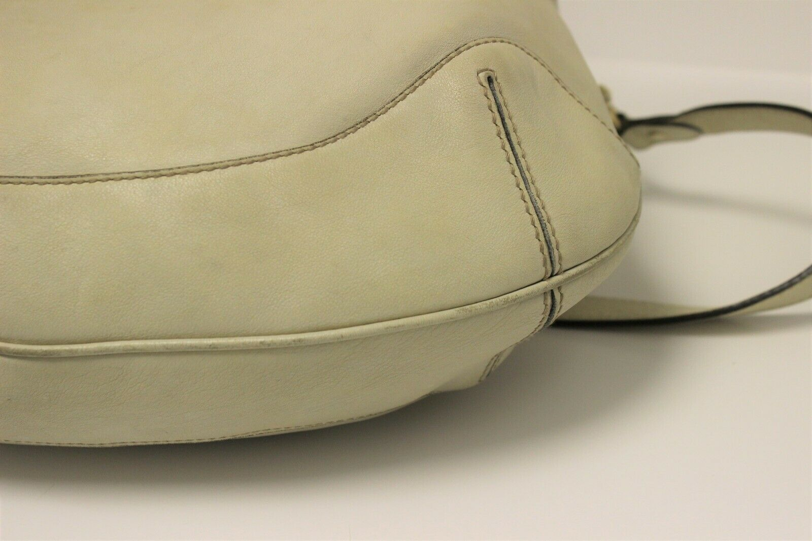 GUCCI Calfskin Peggy Bamboo Top Handle Hobo Bag -… - image 4