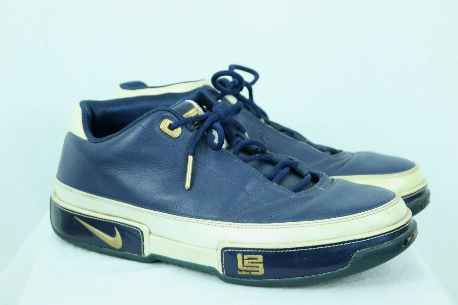 Nike  Uomo Zoom Lebron WEISS Niedrig ST Navy / WEISS Lebron / Gold Größe 10 King James Euro 44 45ccb7