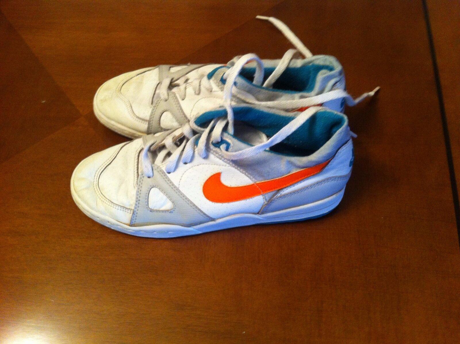 nike vintage sneakers us size 5,5