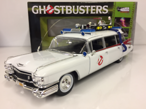 Ghostbuster-Ecto-1-1-18-Echelle-AWSS118-Auto-World