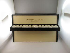 J623-Vintage-Musikus-Studio-Yungklang-Piano-70er-Years