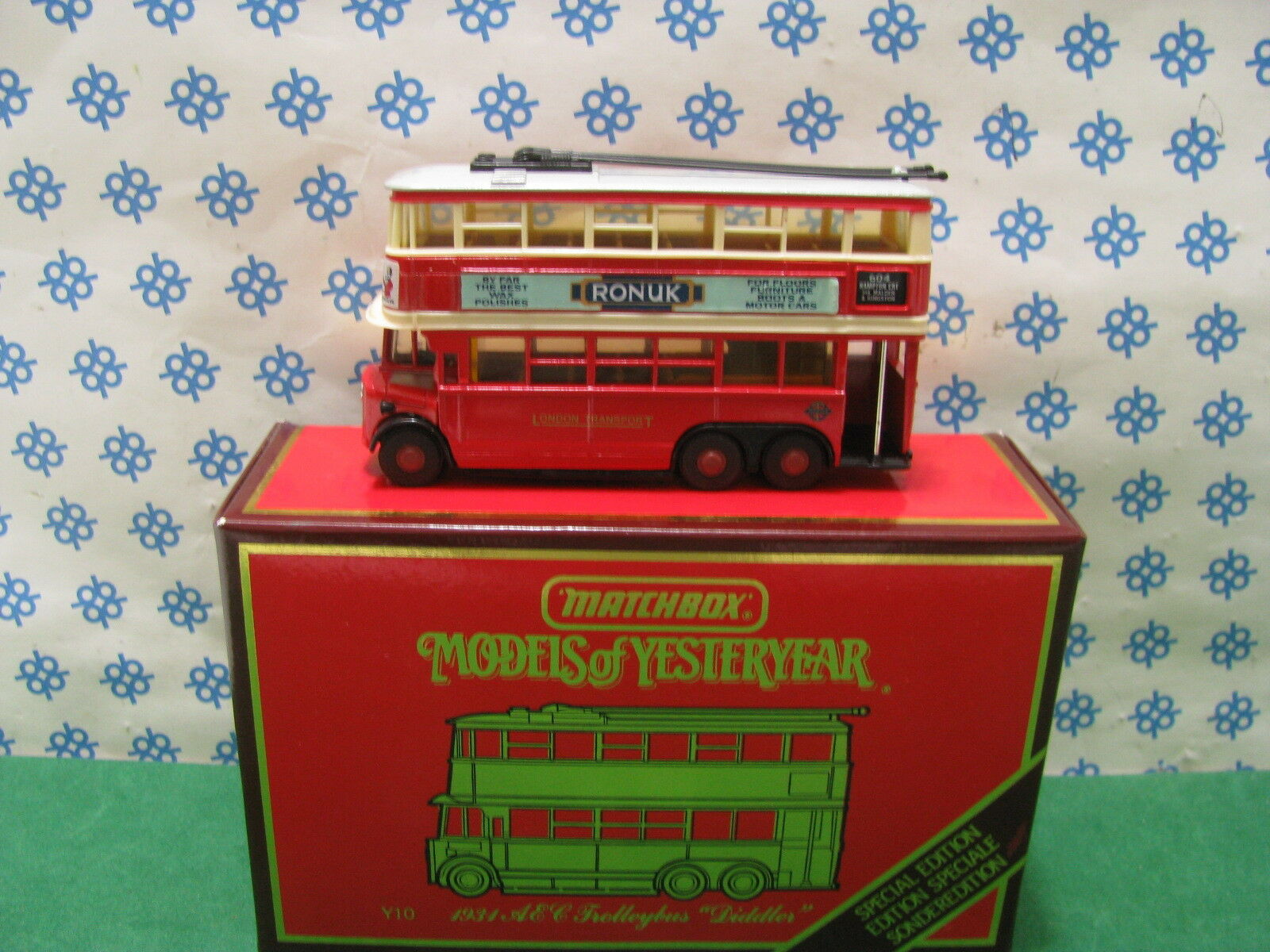 Vintage  -  AEC  TROLLEYBUS   Diddler   1931 - Matchbox  Y 10  Mint Box