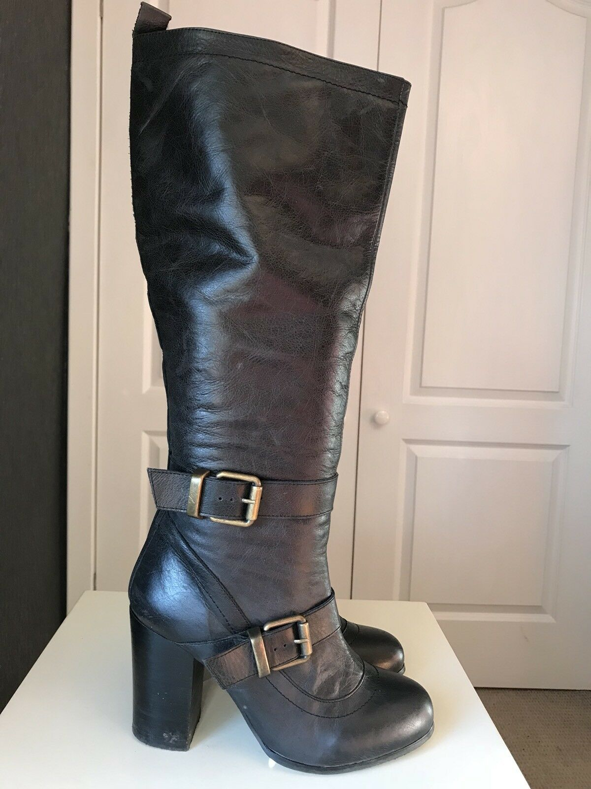SCHUH Designer Designer Designer Ladies Women Black Leather Knee High Heel shoes Boot Size 6 39 bb3818