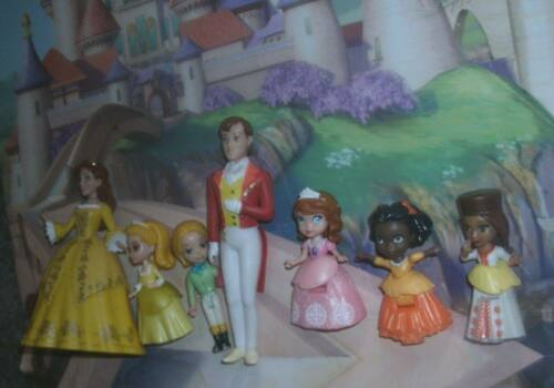LOT OF DISNEY ROYAL FAMILY SOFIA THE FIRST' 7 CHARACTERS; VG