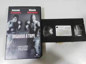 PLAYING-TO-STOP-ANTONIO-FLAGS-WOODY-HARRELSON-VHS-COLLECTOR-SPANISH
