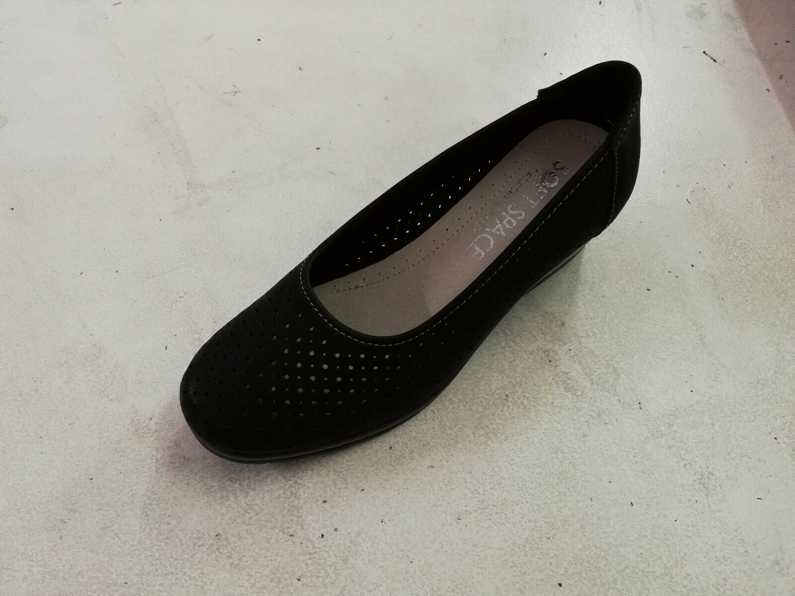 Soft Perforated moccasin woman space