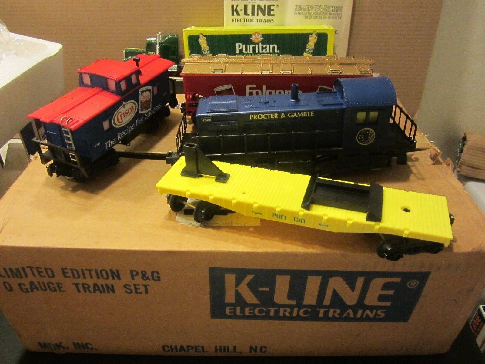K-Line Proctor and Gamble Train set lot-switcher-flat wload-hopper-caboose