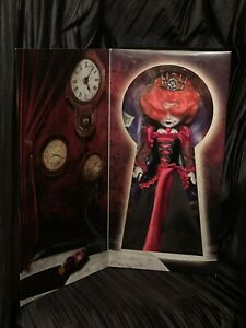 Living-Dead-Dolls-Inferno-as-The-Queen-of-Hearts-Red-LDD-In-Wonderland