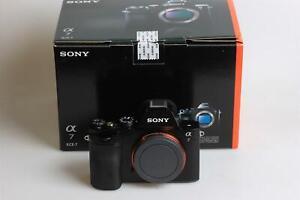 Sony-Alpha-7-Body-dans-neuf-dans-sa-boite