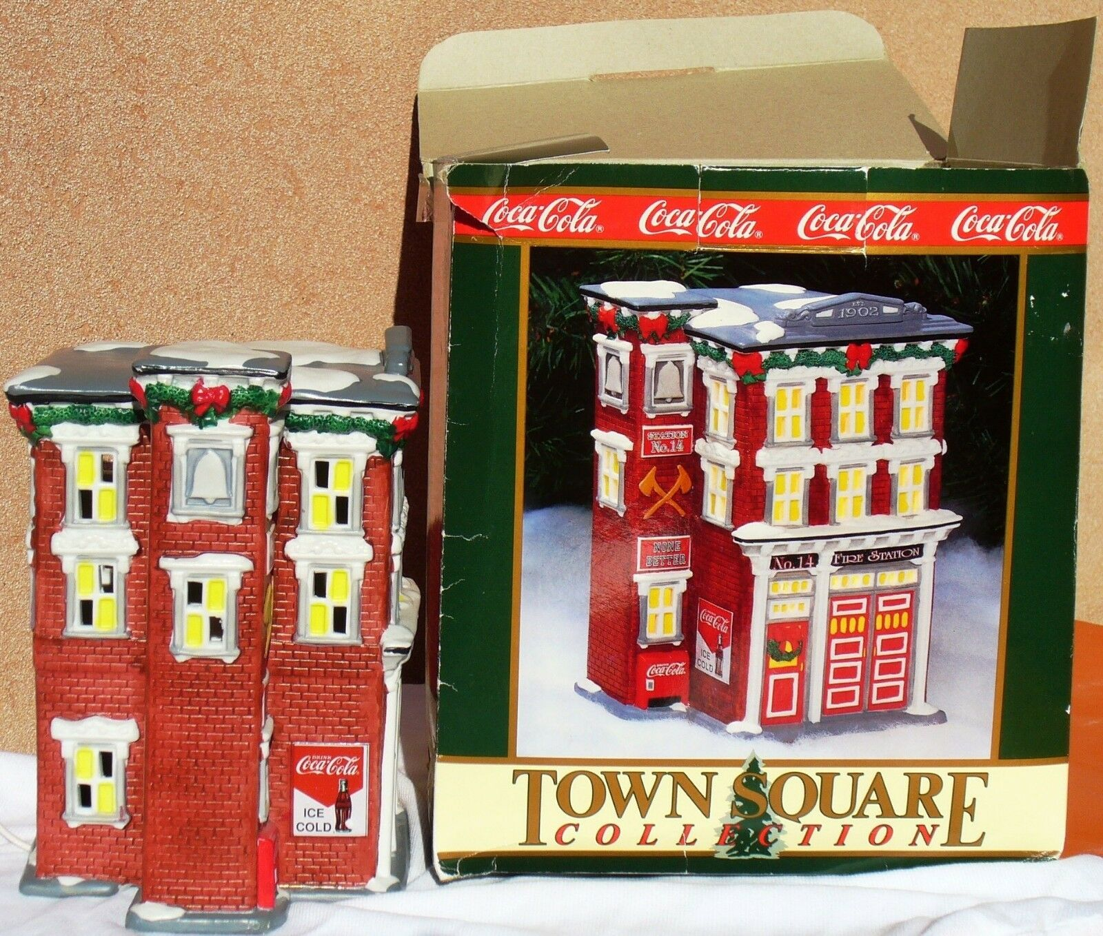 TOWER SQUARE COLLECTION COCACOLA IN PORCELLANA fire station 1994