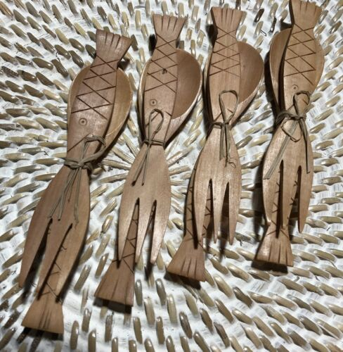 Set of 5 Mini Crocodile Wood Condiment Fork /& Spoon Sets