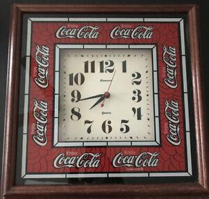 Vintage-HANOVER-COCA-COLA-Wall-Clock-Large-14-x-14-Tested-1990-039-s-Coke-Quartz