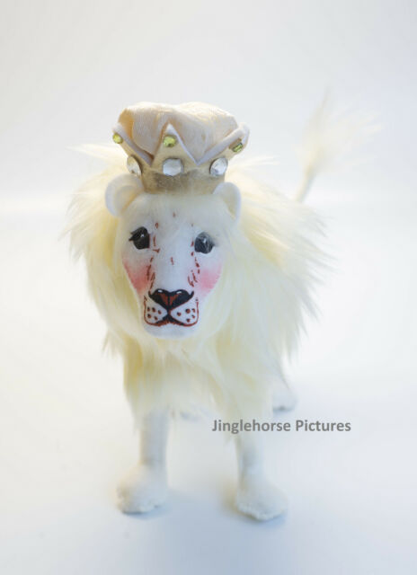 "White Elegant CHRISTMAS Lion Winter HOLIDAY 7"" Cat Diplay Figure Annalee Gold NW"