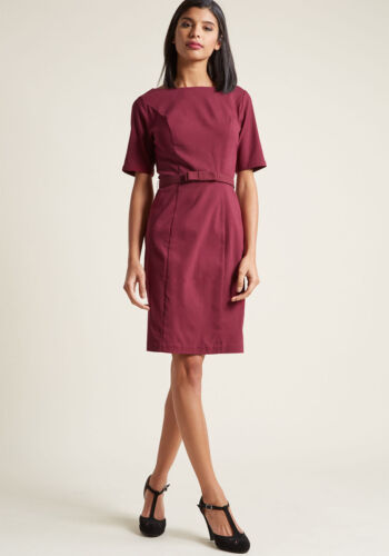 New Modcloth Ritzy Wishes Sheath Dress Sz XS in Burgundy with Bow Accented Belt