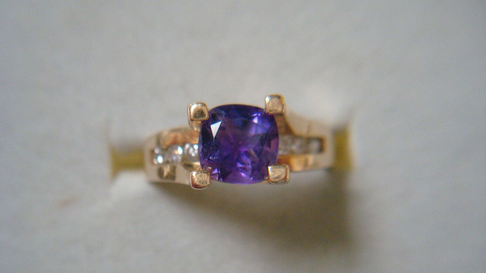 14K yg Amethyst & Diamond Ring - 4.4 Grams - Sz. 7 - 1.0ctw. Approx ( Dw69)