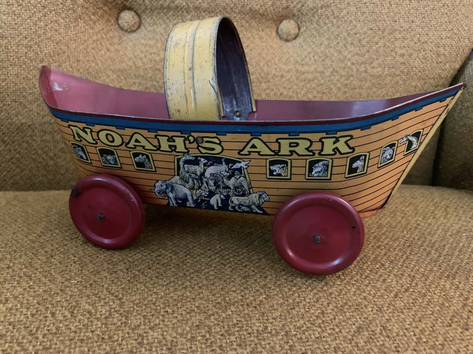 Vintage Noah's Ark Tin Toy With Wheels And Handle All Wheels Antique
