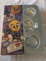 Wilton 6 Cavity Sylvester & Tweety Mini Cake Pan Dessert Mold