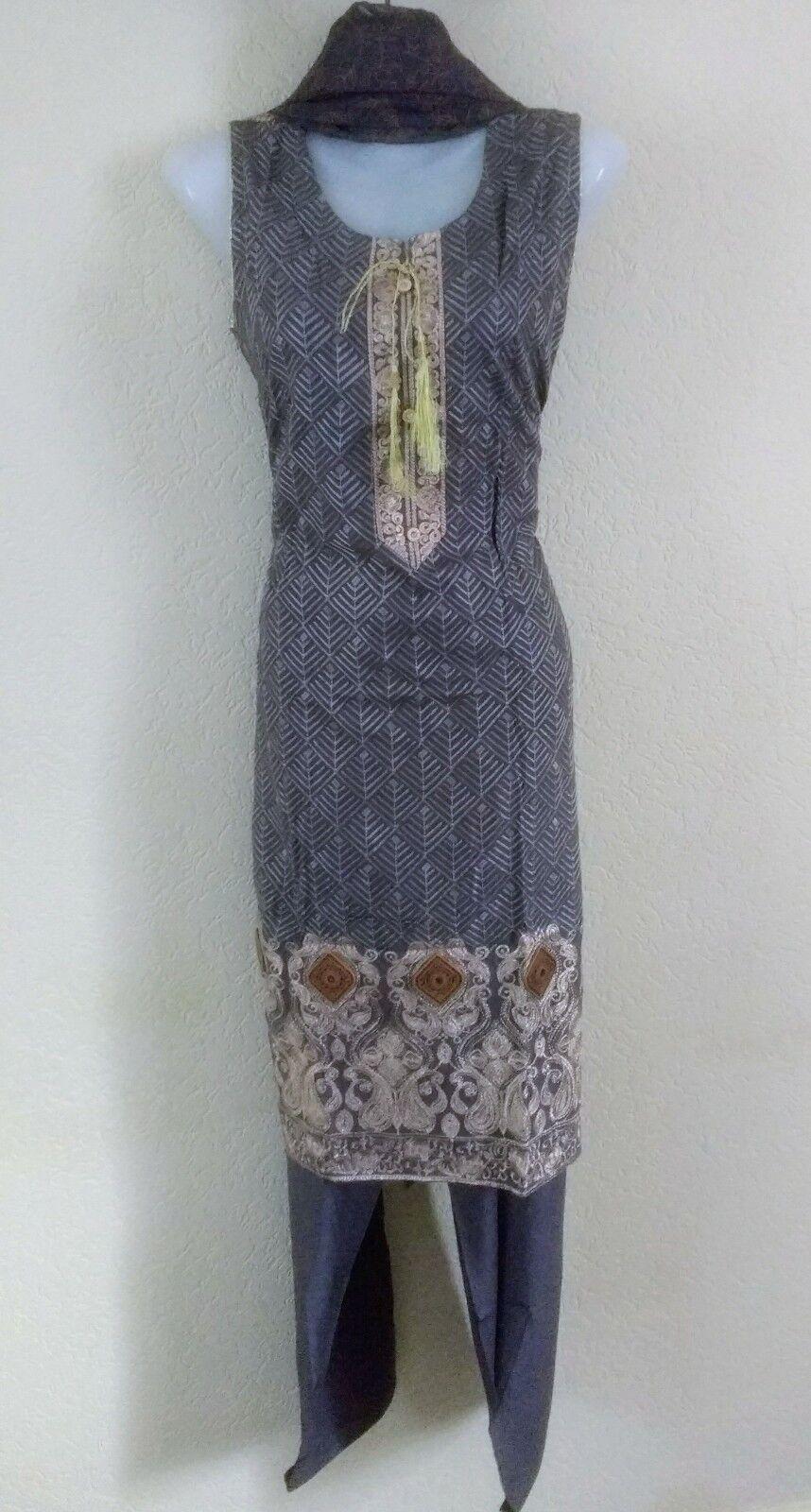 Asian Indian Pakistani Designer Readymade Wedding Salwar Kameez Suit size S