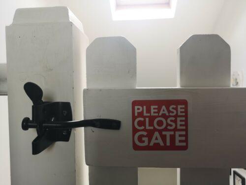 Please Close The Gate Sign Sticker