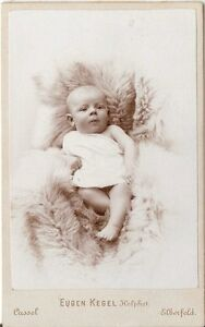 CDV-photo-Schoenes-Kinderbild-Baby-Cassel-Kassel-Elberfeld-um-1900
