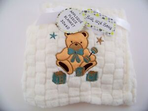Teddy bear w pink bow embroidery applique patch emblem lot