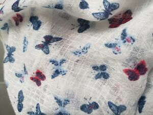 Women-white-Fashion-soft-lightweight-scarf-Butterfly-Motifs-Print-New-no-tags
