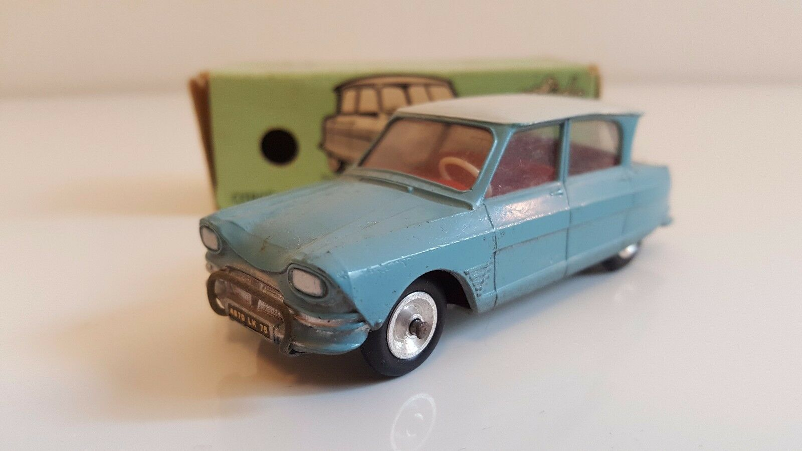 Solido - 114 - Citroën Ami 6 en boîte d'origine (Années 60)