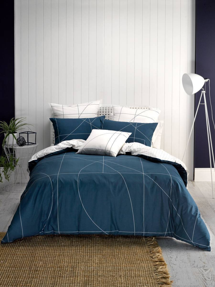 Deco by Linen House Court Navy Duvet   Doona Quilt Cover Set   Bold and Graphic