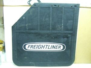 "Freightliner PDT//1519 Mud Flap Pair Freightliner Logo,3//8/""x 24/""x 24/"" HD Rubber"
