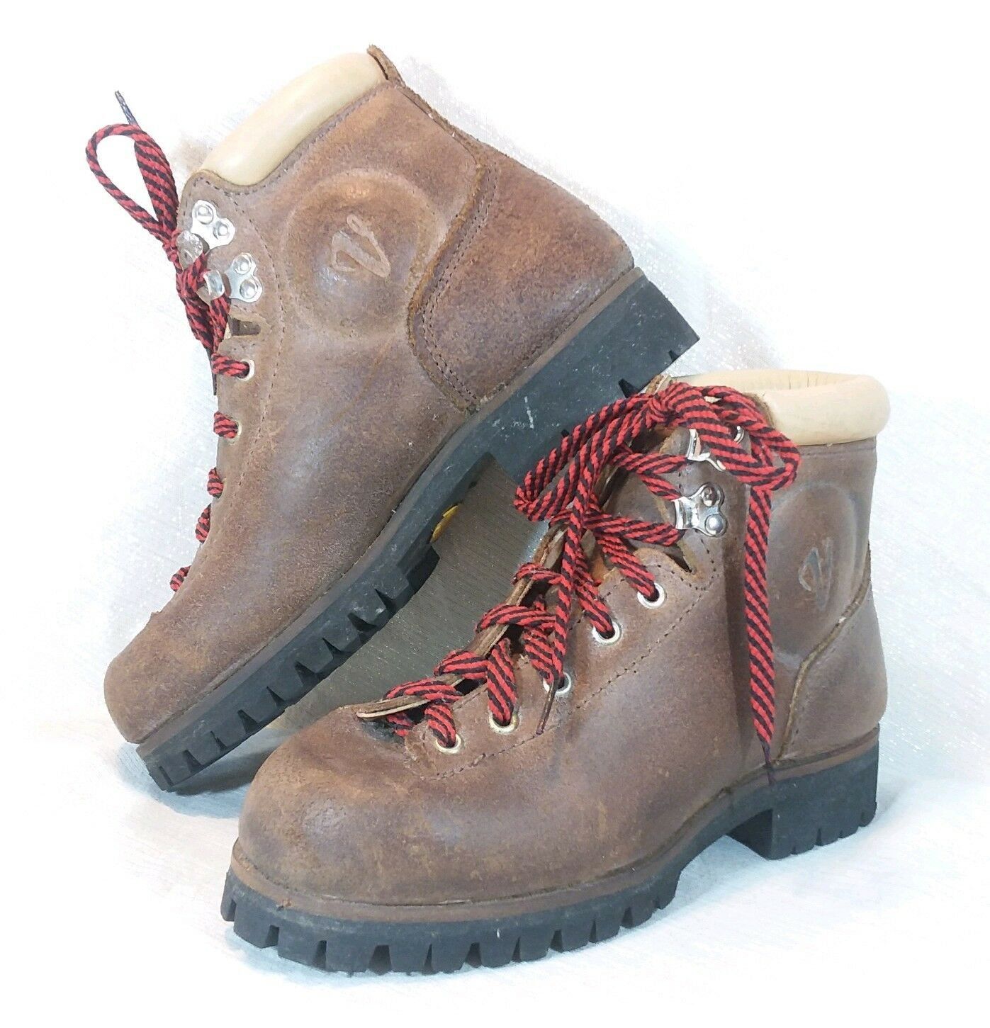 Vintage Vasque Cowhide Hiking Mountaineering Boots Vibram Sole  Womens 7 A   quality product