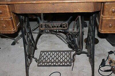 Vintage Singer Treadle Sewing Machine Cast Iron Base Screws-Frame 2 Top /& Drawer