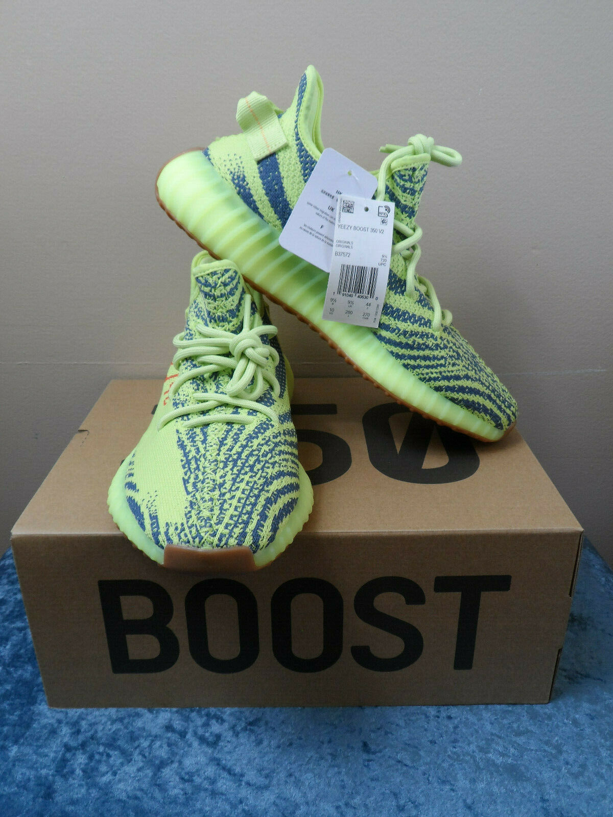 Adidas Yeezy Boost 350 V2 Semi Frozen Yellow B37572 - 100% Authentic - Size 10