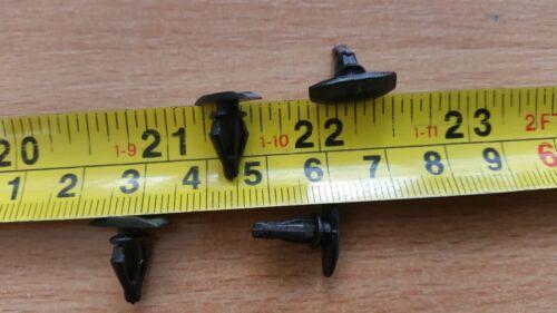 même que KIA équivalent T Clips Porte en Caoutchouc Seal Clips x 25