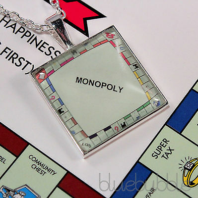 FUNKY MONOPOLY NECKLACE GIFT BOXED CUTE KITSCH RETRO BOARD GAME UNIQUE VINTAGE