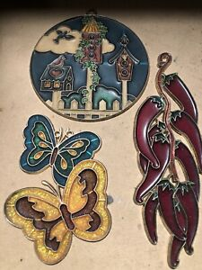 VINTAGE-STAINED-GLASS-SUN-CATCHER-3-PC-LOT-Bird-House-Butterfly-Chili-Pepper-039-s