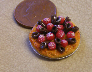1:12 Scale Strawberry /& Chocolate Tart 2.2cm Tumdee Dolls House Dessert D18