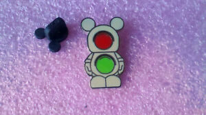 2012-Disney-Vinylmation-Jr-5-Stop-Go-Chaser-Pin-Only
