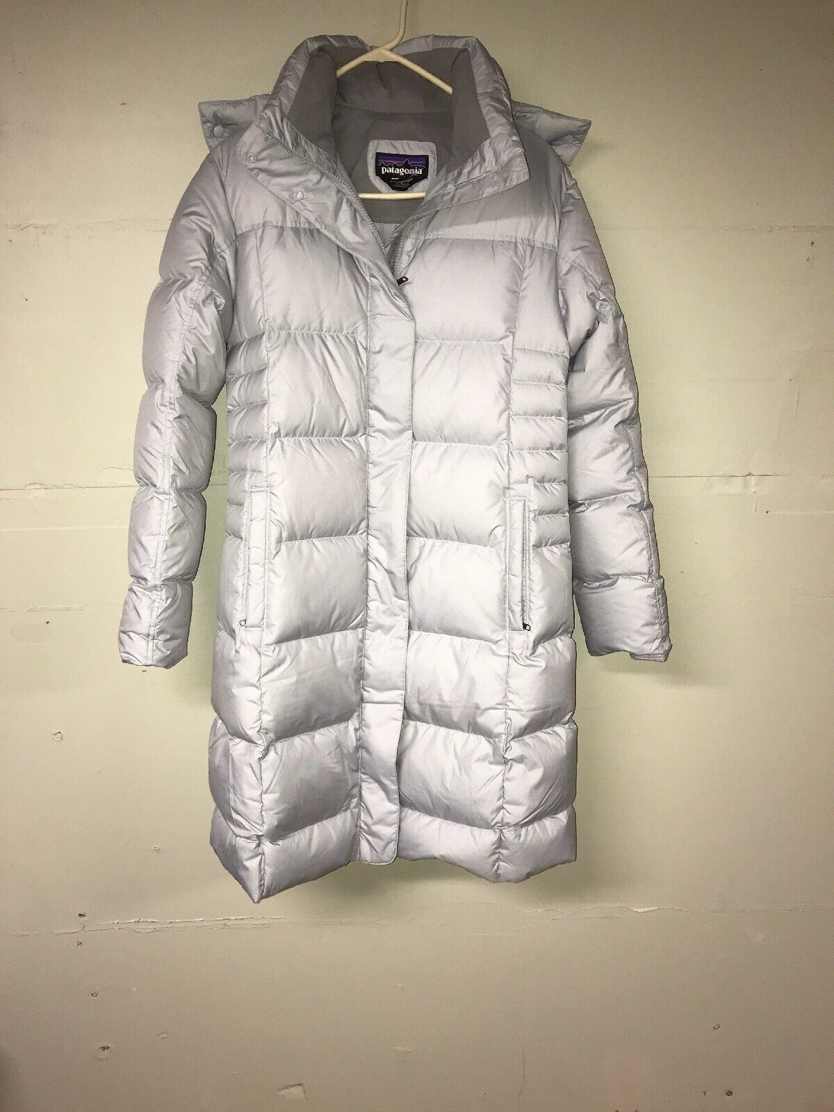 Patagonia Women/'s Hooded Down With It Parka Style 28439 Gray