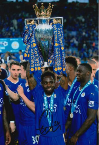 LEICESTER CITY HAND SIGNED NATHAN DYER 12X8 PHOTO CHAMPIONS 16 TROPHY 3.
