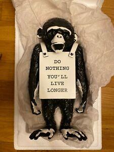 MEDICOM-TOY-PLUS-EXCL-Brandalism-SYNC-BANKSY-Monkey-Sign-Statue-FULL-BLACK-ver