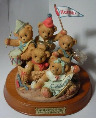 "CHERISHED TEDDIE /""CARL 2011-17th IN THE SANTA SERIES/"" 4023738 MINT IN BOX"