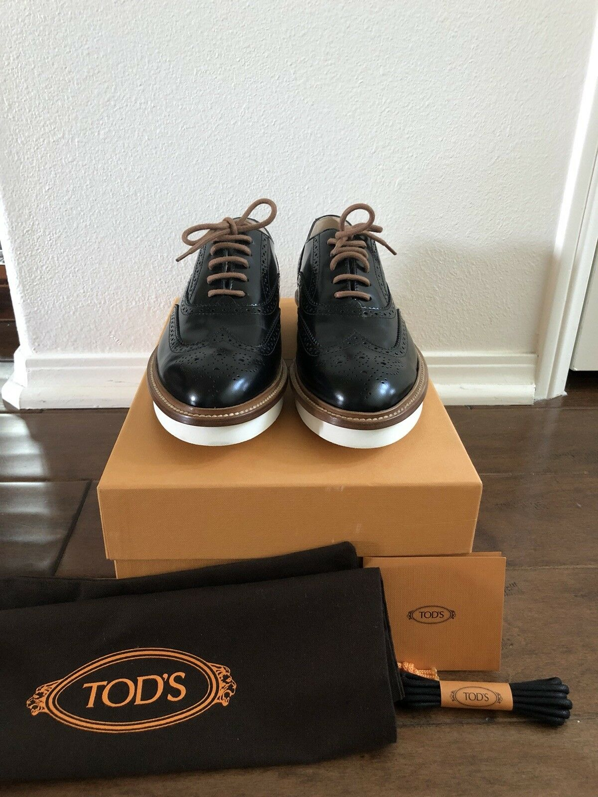 TOD'S Brand New and and and Never Worn - Gomma Lace-Up Brogues in noir (US Taille 8.5) aa79d1