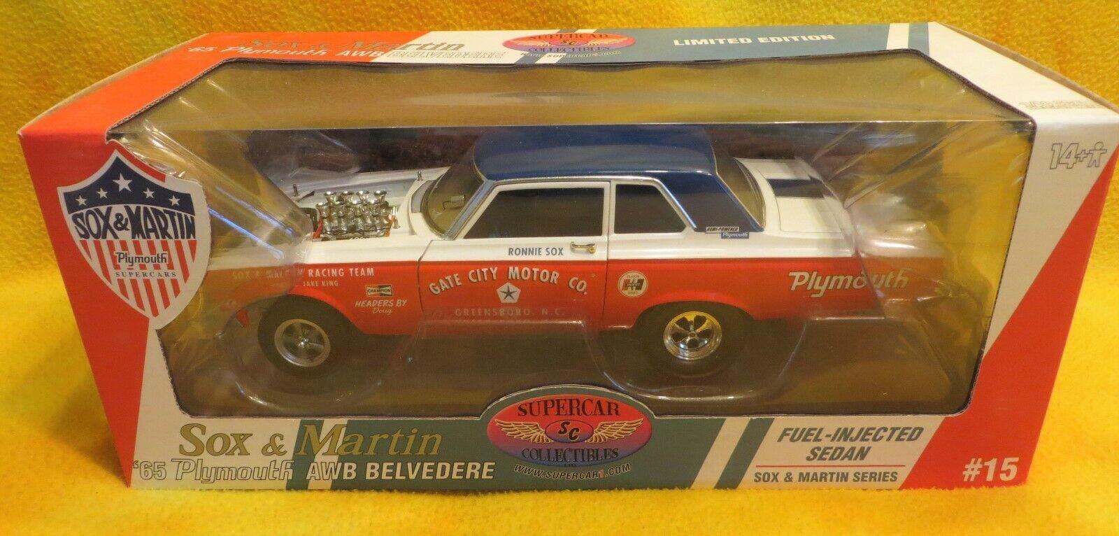 Exhiben Collectibles 1965 Plymouth AWB Sox Martin combustible inyectado 1 18 Ertl