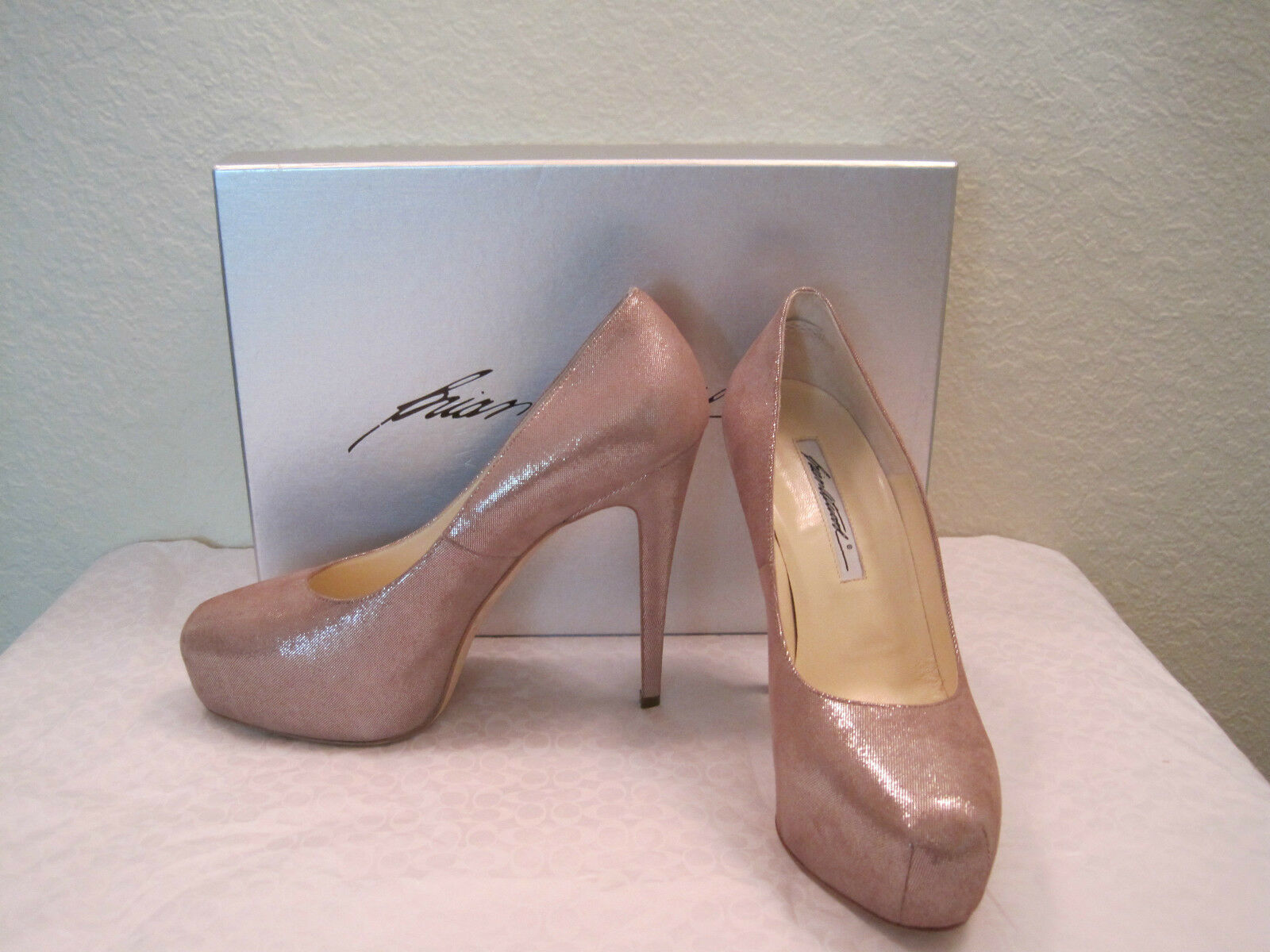 NIB Brian Atwood Maniac pink Shimmery Shimmery Shimmery Pink Suede Platform High Pumps 8.5  580 a458a8