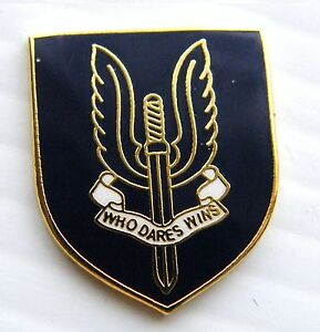 THE-SAS-SPECIAL-AIR-SERVICE-MILITARY-FORCES-LAPEL-ARMY-PIN-BADGE-FREE-POUCH-MOD