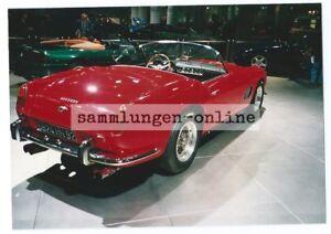 Ferrari-1994-Sports-Car-Red-Car-Photographer-Photo-Photography-Rear-Exhibition