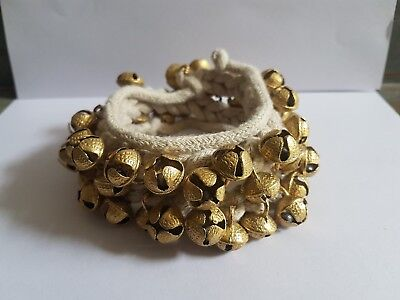 Kathak Dancing Ghungroo Ankle Bells Bracelet Pair, Tied with Red Velvet Pad Indian Classical Dancers Musical Instrument 10+10