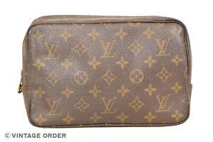 Louis-Vuitton-Monogram-Trousse-Toilette-23-Cosmetic-Bag-M47524-YF00577